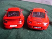 Прикрепленное изображение: Porsche_911___GT3_vs_Carrera_S_1.jpg