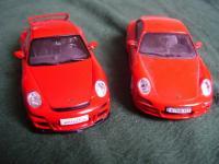 Прикрепленное изображение: Porsche_911___GT3_vs_Carrera_S_2.jpg