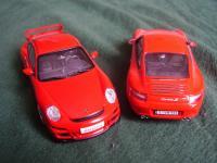 Прикрепленное изображение: Porsche_911___GT3_vs_Carrera_S_4.jpg
