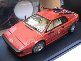 Прикрепленное изображение: James_Bond_AUTOART_LOTUS_ESPRIT_COPPER_RED_MIB.jpg