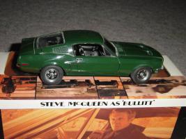 Прикрепленное изображение: AUTOart_1967_Ford_Bullitt_Mustang_Steve_McQueen.jpg