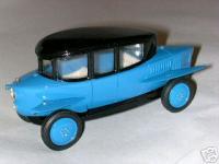 Прикрепленное изображение: RUMPLER_Tropfenwagen_Limousine.jpg