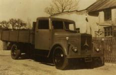 Прикрепленное изображение: 1949__kompletter_Neuaufbau_Mercedes_LKW.jpg
