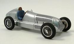 Прикрепленное изображение: Mercedes_W_25__Silberpfeil_1934.jpg