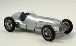 Прикрепленное изображение: Mercedes_W_125__Silberpfeil_1937.jpg