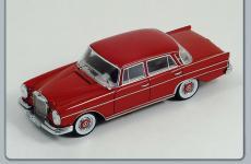 Прикрепленное изображение: Mercedes_Benz__300_SE.jpg