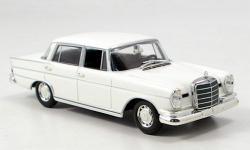 Прикрепленное изображение: Mercedes_300_SE__lang__1965.jpg