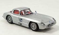 Прикрепленное изображение: Mercedes_300_SLR__Coupe_Uhlenhaut__silber_1955.jpg