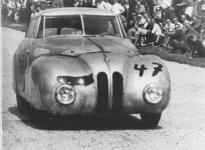 Прикрепленное изображение: BMW_328_Mille_Miglia_Limousine_at_Hockenheim_in_1947.jpg