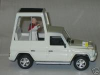 Прикрепленное изображение: Mercedes_G230_Pope_John_Paul_II__Handmad_Popemobile.jpg