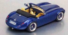 Прикрепленное изображение: Wiesmann_FPM_Modellautos.jpg