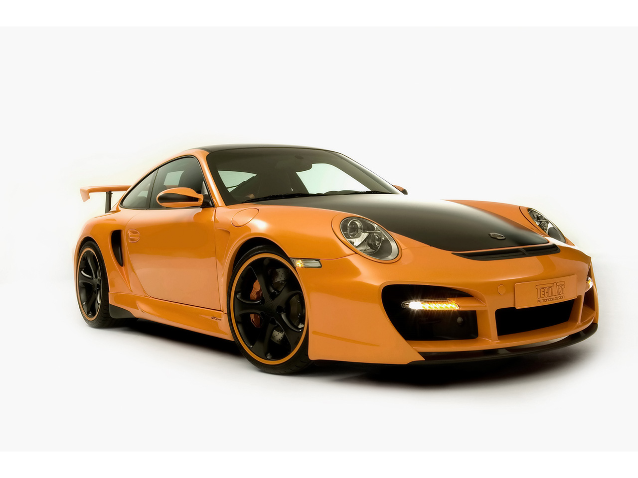 Прикрепленное изображение: 2007_TechArt_GTstreet_based_on_Porsche_911_997_Turbo_Front_And_Side_1280x960.jpg