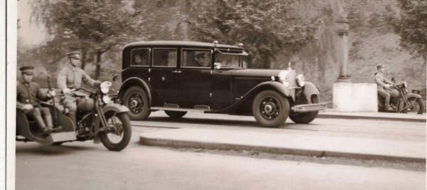 Прикрепленное изображение: 1935_Mercedes_Benz_770_K_Pullman.jpg