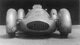 Прикрепленное изображение: Mercedes_W165_Streamliner.jpg
