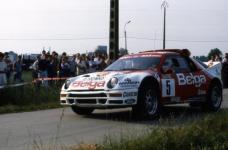 Прикрепленное изображение: FORD_RS200_DROOGMANS_Rallye_D__ypres_1986.jpg