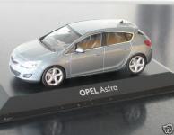 Прикрепленное изображение: Opel_Astra___147_J_Minichamps.jpg