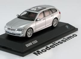 Прикрепленное изображение: Schuco_Strassen_Fahrzeuge_BMW_550i_Touring_2010.jpg