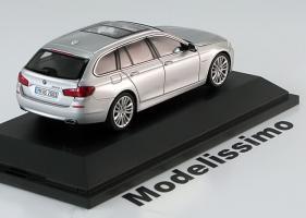 Прикрепленное изображение: BMW_550i_Touring_2010_Schuco.jpg
