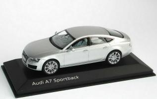 Прикрепленное изображение: Audi_A7_Sportback_eissilbermet_Audi_Kyosho_5011007023_20039_02.jpg