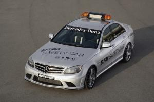 Прикрепленное изображение: mercedes_benz_c63_amg_dtm_safety_car_2008_1.jpg