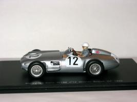 Прикрепленное изображение: Mercedes_Benz_W196_Winner_British_GP_1955_008.JPG