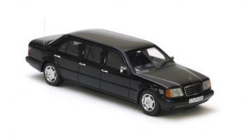 Прикрепленное изображение: Mercedes_Benz_V124_Lang_Black_1990.jpg