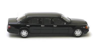 Прикрепленное изображение: Mercedes_Benz_V124_Lang_Black.jpg