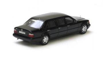 Прикрепленное изображение: Mercedes_Benz_V124.jpg
