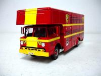 Прикрепленное изображение: 1972_Exoto_Ford_Transporter_Ferrari___Gelo_Racing_Team__1_.jpg