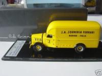 Прикрепленное изображение: ALFA_ROMEO_Transporter_FERRARI_GP_Tripolis_1936.jpg