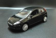 Прикрепленное изображение: 2005_FIAT_Grande_Punto_3_door_1.jpg