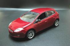 Прикрепленное изображение: 2007_FIAT_Bravo_5_door_hatchback_1.jpg