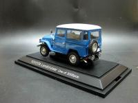 Прикрепленное изображение: 1960_Toyota_Land_Cruiser_FJ40V_EBBRO_405_blue_3.jpg