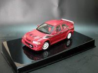 Прикрепленное изображение: Mitsubishi_Lancer_EVO_VI_Tommi_Makinen_Edition_1999_AutoArt_57156_02.jpg