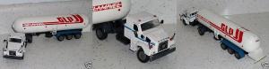 Прикрепленное изображение: Volvo_truck___GLP_trailer_Arpra__Brazil__1970s_12_inches_long.JPG