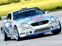 Прикрепленное изображение: 0507_01z_Carlsson_Mercedes_Benz_SLK_V6_Front_Corner_Driving_On_Track.jpg