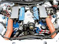 Прикрепленное изображение: 0507_07z_Carlsson_Mercedes_Benz_SLK_V6_Underhood_Supercharged_AMG_V6.jpg