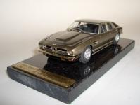 Прикрепленное изображение: Aston_Martin_Lagonda_Series_I_1974_1.jpg