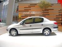 Прикрепленное изображение: peugeot_206_sedan_iaa05lat.jpg