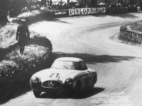 Прикрепленное изображение: Mercedes_Benz_300SL______1952_.gif