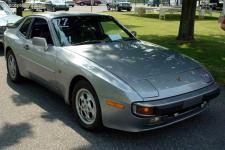 Прикрепленное изображение: Porsche_944_S__1987_.jpg