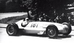 Прикрепленное изображение: 1939_W154_H_Lang_Wiener_Hoehenstrassenrennen.jpg