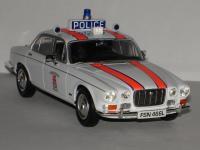 Прикрепленное изображение: Jaguar_XJ_1_Dunbartonshire_Constabulary_Vanguards.jpg