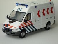 Прикрепленное изображение: Mercedes_Benz_Sprinter_serie_2_Van_Dutch_Politie_Eligor.jpg
