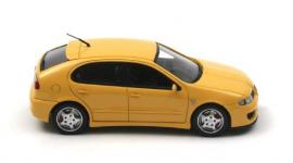 Прикрепленное изображение: SEAT_Leon_MK1_Cupra_R_Yellow_1997_2.jpg