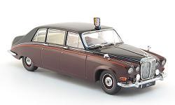 Прикрепленное изображение: Daimler_DS420_Limousine_Queen_Mother_Oxford.jpg