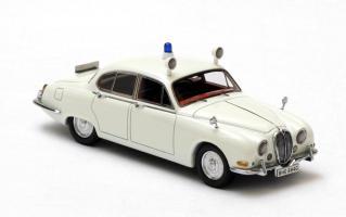 Прикрепленное изображение: Jaguar_S_type_I_British_Police_1965_NEO_43948.jpg