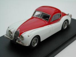 Прикрепленное изображение: Jaguar_XK120_Coupe_1952_AMR_Paddock.jpg