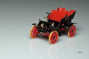 Прикрепленное изображение: Cadillac_Model_A_1903_4_Seats__._________01_40.jpg