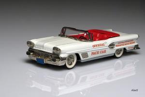 Прикрепленное изображение: Pontiac_Bonneville_Pace_Car_500m_Indianapolis_1958_Brooklin_BRK25.jpg